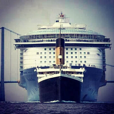Titanic a confronto con Oasis of the Seas